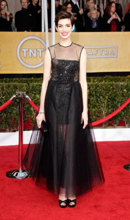 Anne Hathaway - Giambattista Valli