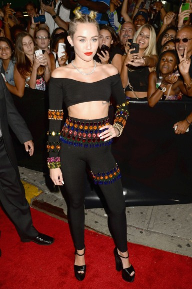 Miss: Miley Cyrus in Dolce & Gabbana