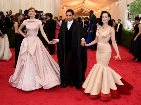Zac Posen (l) Karen Elson (r) Dita Von Teese at the Met Gala - Charles James Beyond Fashion