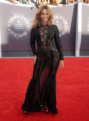 Beyonce in Nicolas Jebran Couture